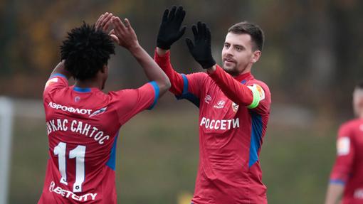 Георгий Щенников и Лукас Сантос