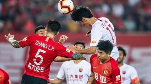 В Китае тоже умеют играть в футбол