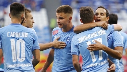 Футболисты команды «Крылья Советов»