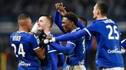 Игроки «Страсбурга» празднуют гол в ворота «Лиона» (ноябрь 2019 года)