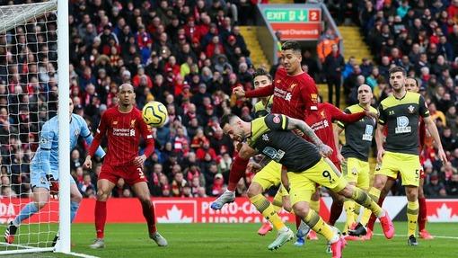 Дэнни Ингз («Саутгемптон») забивает очередной гол