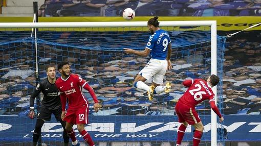 Кальверт-Льюин («Эвертон») забивает «Ливерпулю»