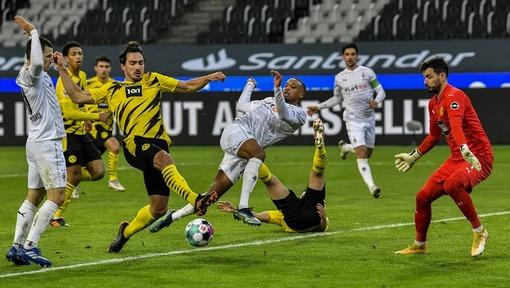 Игровой эпизод матча «Боруссия» М — «Боруссия» Д (22.01.2021)