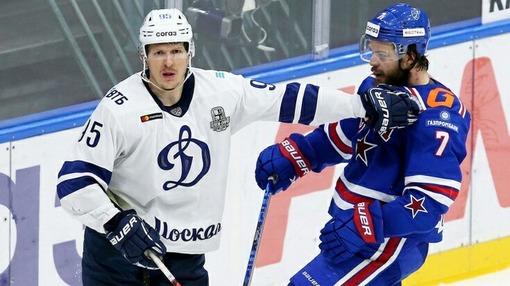 Вячеслав Кулемин («Динамо» Москва) и Никита Зоркин (СКА)
